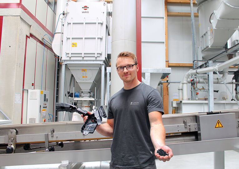 """Everyone in our industry who demands a clean operation should not fail to consider CLEACOM from Keller Lufttechnik."" Alexander Schweinle, Production Manager at Aurora Kunststoffe GmbH"